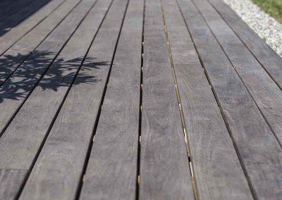 Terrasse en platelage bois traité