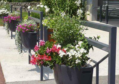 Mobilier urbain et fleurissement