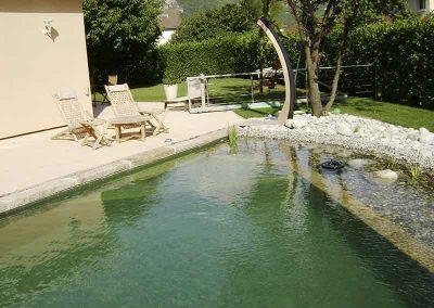 Bassin naturel, douche solaire